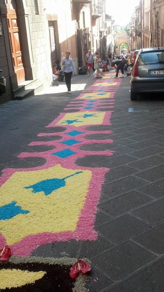 Montefiascone religious celebration brought flowers to the street
